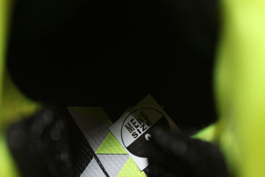 sports shoes fc7c8 7a846 Nike Lunar Raid Volt Black 654480-700 Men s Size 10.5