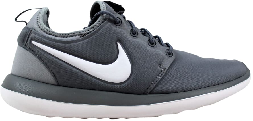 a4b2cda84f7d6 Nike Roshe Two Cool Grey White-Wolf Grey 844653-004 Grade-School SZ ...