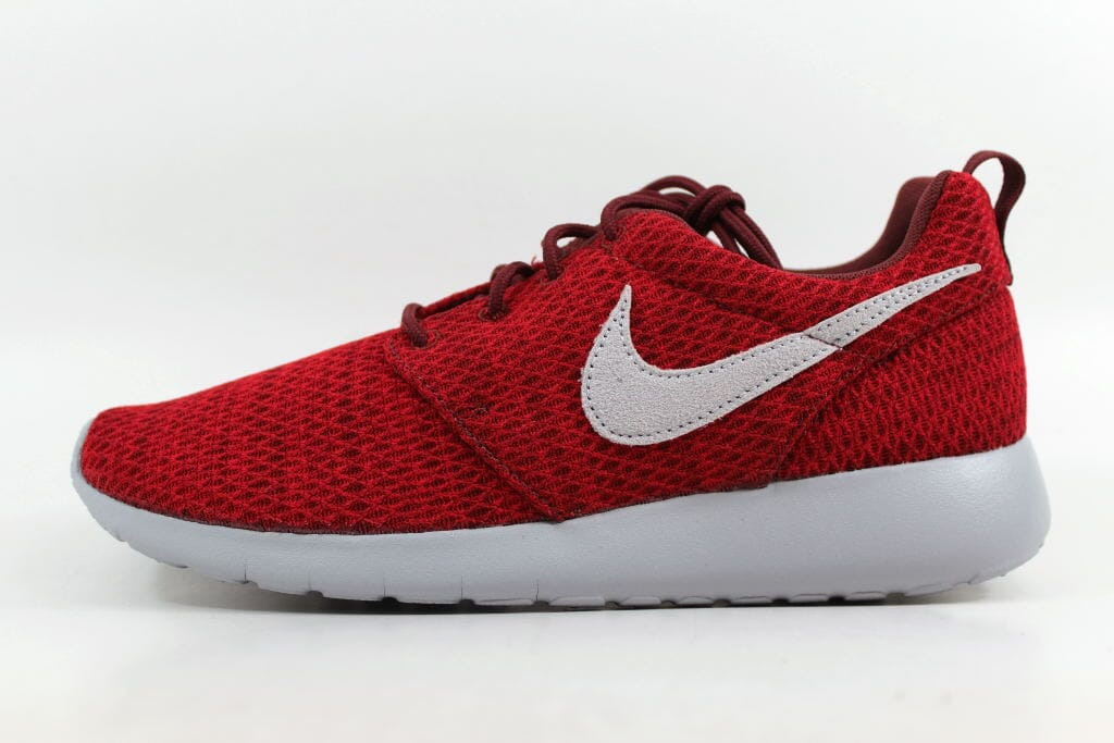 cd59c1d244528 Nike Roshe One Dark Team Red Wolf Grey 599728-607 Grade-School SZ 5.5 ...